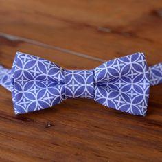Mens Purple Bow Tie, purple white cotton geometric print bowtie, mens wedding bow tie, mens lavender bow tie, pretied bow tie, gift for him
