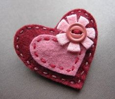 Flowering Hearts in Garnet and Rose felt brooch by soleilgirl Valentine Day Crafts, Valentine Heart, Valentines, Felt Decorations, Valentine Decorations, Felt Flowers, Fabric Flowers, Felt Christmas, Christmas Crafts