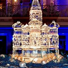 Incorporate style and elegance into your wedding with an ice display from Artic Diamond Ice Sculptures
