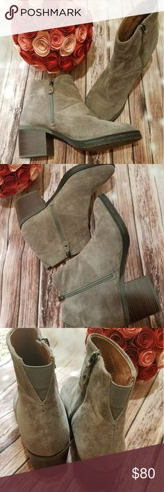 "Gentle Soul by Kenneth Cole Leather Booties Barely worn /great condition Gentle Soul by Kenneth Cole booties. Tan suede. Zippers. Heel is approximately 3.5"". Great for fall. 10M. Gentle Souls by Kenneth Cole Shoes Ankle Boots & Booties"