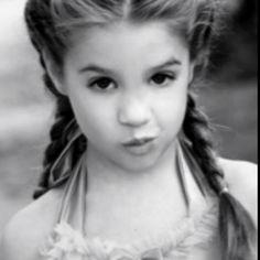Mackenzie Ziegler. Soo cute:)