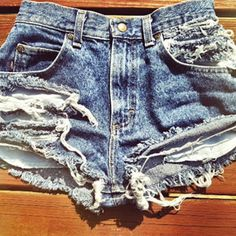 #Howto make distressed jean #shorts in two steps. http://www.missoandfriends.com/scoop/scoop_details.php?article=how-to-make-distressed-jean-shorts&id=2105&topic=how-to #jeans #fashion