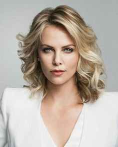 A gallery of Long Shot publicity stills and other photos. Featuring Charlize Theron, Seth Rogen, June Diane Raphael, Ravi Patel and others. June Diane Raphael, Cider House Rules, African Actresses, Mighty Joe, The Devil's Advocate, Golden Globe Award, Best Actress, Fashion Models, Short Hair Styles