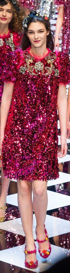 b56d170a11611 211 melhores imagens de Dolce   Gabbana. Fashion and Beauty ...