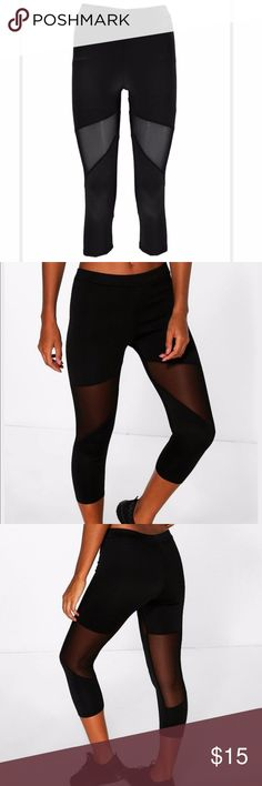 boohoo FIT Crop Leggings w/ MESH PANELS Crop Leggings/Tights with Fun Mesh Pattern US 6 (Small to Medium - I think they run small like 4) Black Mesh panel inserts-pattern on front and back. LIKE NEW! Just tried on but too small for me Boohoo Pants Leggings