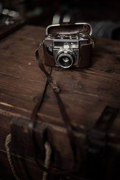 Directeur Artistique // Madani Bendjellal on Mad Book Pro- Typo. #vintage camera, # brown