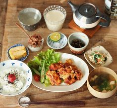 「. とり天(すだちと塩) 出し巻き卵 ヨーグルト ひじき煮 ほうれん草の白和え お味噌汁 ごはん . とり天美味しかったぁぁ〜♡ . #お昼ごはん #ヘルシーをアゲよう #rieごはん」 Healthy Cooking, Healthy Eating, Food Gallery, Asian Recipes, Ethnic Recipes, Ramen, Lunches And Dinners, Meals For One, Japanese Food