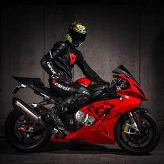 @usseglio87 #rideordie #motorcycle #adrenaline #bike #bikelife #bikelifemafia #bikeporn #ride #moto #motorbike #sportbikelife #throttlesociety #throttleworld #bmw #s1000rr