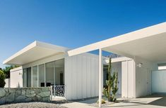The 1962 Steel House by Donald Wexler and Richard Harrison Steel House #4 for sale in Palm Springs, CA. Contact Alex Dethier for more information – 760-808-3300
