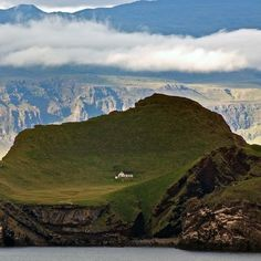Elliðaey Island in Iceland. a casa mais isolada do mundo Great Places, Places To See, Places Around The World, Around The Worlds, Beautiful World, Beautiful Places, Just Dream, Iceland Travel, Nova Scotia