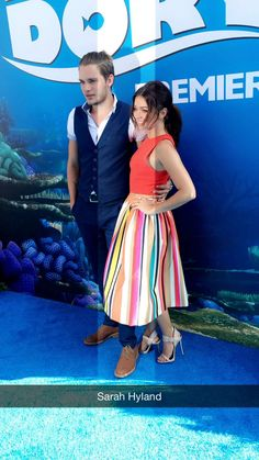 Dominic Sherwood and Sarah Hyland – 'Finding Dory' premiere in Los Angeles Dominic Sherwood, Shadowhunters Cast, Jace Wayland, Sarah Hyland, Finding Dory, Shadow Hunters, Relationship Goals, Red Carpet, Midi Skirt
