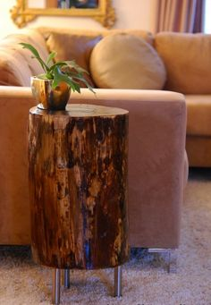 Mesa hecha de tronco de madera. Wow!!