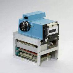 Kodak's first prototype digital camera 1976  Source: Historical Pics