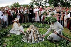 Магическият годишен фестивал на латвийците - Actualno.com