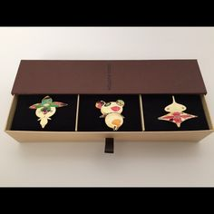 39ed8c390e ... 3 This is a listing for a set of 3 Louis Vuitton Collectible Lacquer  Barrettes by Takashi Murakami. Slightly used perfect condition as pictures  shown