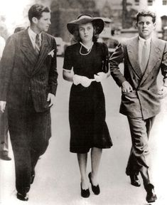 Joseph Jr, Kathleen and John Kennedy, then children of the US Ambassador to Britain (Joseph Sr.) head to Parliament in 1939 to hear PM Neville Chamberlain declare war on Germany. WWII would cost one brother his life while almost crippling the other. John Kennedy, Kathleen Kennedy, Les Kennedy, The Kennedy Family, Patricia Kennedy, Marie Curie, Steve Jobs, World History, World War Ii