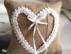 Meska - Vintage szív gyűrűpárna  Aggies kézművestől Hobbit, Ale, Burlap, Reusable Tote Bags, Throw Pillows, Vintage, Beer, Cushions, Hessian Fabric
