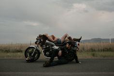 Biker Photoshoot, Couple Photoshoot Poses, Couple Photography Poses, Photoshoot Ideas, Boudoir Photography, Children Photography, Motorcycle Photo Shoot, Bike Photo, Motorcycle Wedding