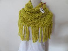 cuello-tejido-a-mano-lana-color-amarillo-con-flecos-398811-MLA20669065723_042016-F.jpg (1200×900)