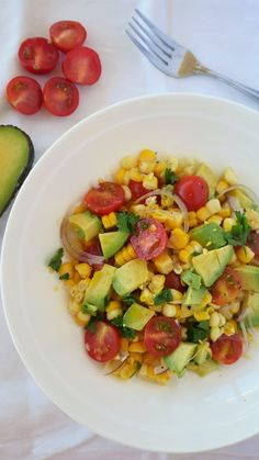 Corn, Tomato & Avocado Salad - Natalie Brady Avocado Tomato Salad, Ripe Avocado, Vegan Gluten Free, Vegan Vegetarian, Corn On Cob, Salad Ingredients, Cherry Tomatoes, Cobb Salad