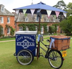 Cafe Bon Bon Ice Cream & Pimm's Tricycles - Home Ice Cream Stand, Ice Cream Cart, Food Trucks, Bon Bon Ice Cream, Bike Food, Velo Cargo, Bike Cart, Village Fete, Sweet Carts
