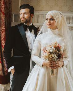 """123 Beğenme, 4 Yorum - Instagram'da Ömer (@omercanik): """"Aşk Günaydın ☀️ #love #omercanik #wedding"""" Muslimah Wedding Dress, Disney Wedding Dresses, Muslim Brides, Pakistani Wedding Dresses, Muslim Couples, Bridal Hijab, Hijab Bride, Wedding Hijab, Egyptian Wedding"""