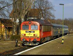 RailPictures.Net Photo: 128 Hungarian State Railways (MÁV) 418 at Telekgerendás, Hungary by Máté Szilveszter