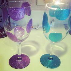 Wine glass craft... Girls Weekend? @Dana Curtis Curtis Loomans