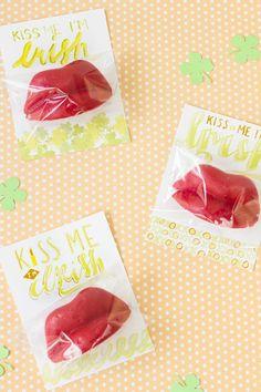 """Kiss Me I'm Irish"" Free Printable with Wax Lips"