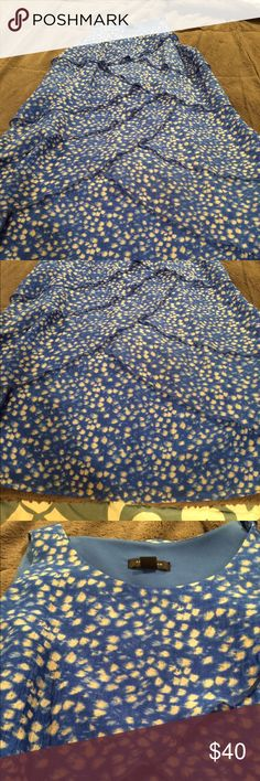 Ann Taylor Blue Tiered Dress size 8 Beautiful blue and white tiered dress by Ann Taylor. In excellent condition. Size 8. Ann Taylor Dresses