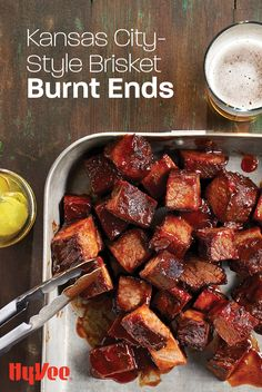 There's nothing better than smoked and caramelized burnt ends. You'll agree with us as soon as you try this Kansas City-favorite recipe. Smoked Brisket, Smoked Pork, Kansas City Burnt Ends Recipe, Grilling Recipes, Beef Recipes, Brisket Burnt Ends, Chicken And Veggie Recipes, City Chicken, Bbq Menu