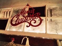 DIY Simple Country Christmas Mantel