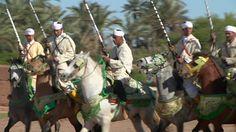 shot-of-men-on-horseback-performing-fantasia-profile-marrakech-video-id173401044 (640×360)