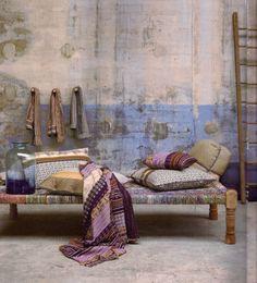 Wabi Sabi, das Dekor als Philosophie - - Wabi Sabi, Indian Interiors, Interior And Exterior, Interior Design, Deco Boheme, Concrete Wall, Cement, My Living Room, Home Decor Inspiration