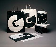 Galerias by Vignelli Studio. Stunning black and white design. Massimo Vignelli, Packaging Design Inspiration, Graphic Design Inspiration, Visual Communication Design, Creative Logo, Program Design, One Design, Illustrations Posters, Paper Bags