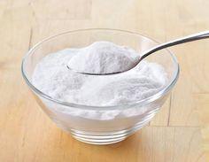 Pasta de bicarbonato para fechar os poros do rosto