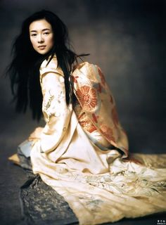 Ziyi Zhang as Sayuri in `Memoirs Of A Geisha', 2005, directed by Rob Marshall. Photo by Paolo Roversi. S)