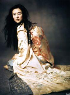 Ziyi Zhang as Sayuri in `Memoirs Of A Geisha', 2005, directed by Rob Marshall. Photo by Paolo Roversi. S)