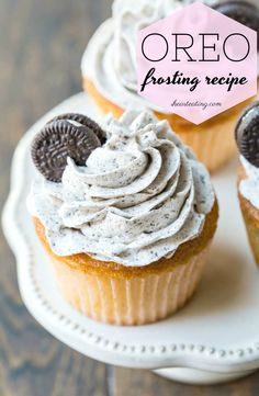 Light and airy OREO frosting recipe is so good on chocolate or vanilla cupcakes!  #ihearteating #cake #cupcake #frosting #buttercream #OREO