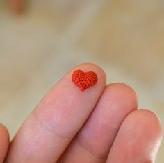 Kim, she made this lovely Teeny Tiny Crochet Heart and kindly gave a free pattern/tutorial to show how too