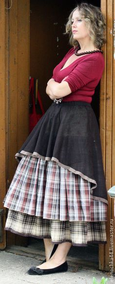 Beautiful asymmetry & Loving the layers of this skirt!