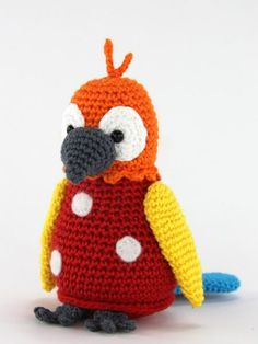 Papegaaitje Pico pattern by Stip & Haak Crochet Parrot, Crochet Birds, Crochet Motifs, Crochet Animals, Free Crochet, Diy Crochet Amigurumi, Crochet Baby Toys, Crochet Crafts, Crochet Animal Patterns
