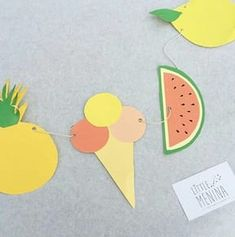 [DIY] The summer garland: party decor! - Little Menina - Games from 3 years old for positive education - - Tropical Party, Tropical Decor, Decoration Creche, Garden Party Decorations, Lets Celebrate, Happy Birthday, Animation, Occasion, Homemade