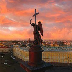 Ангел Александровской колонны. Дворцовая площадь.    Автор фото: Ekaterina Mohnachewa (Mokhnachewa).
