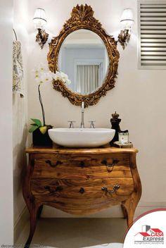 ¿Te gusta el estilo clásico? Los muebles de madera son básicos para este estilo. ¡inspírate con este increíble baño!