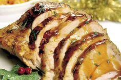 Chuleta de cerdo en salsa de piña: Es una propuesta ideal para la cena navideña, la piña le da un toque agridulce y exótico y las puede acompañar con unas papas criollas.