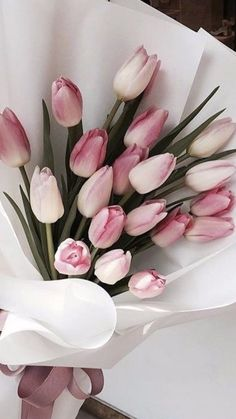 Pink Inspiration: These Modern Pieces Are As Sweet As Candy Pink Tulips, Tulips Flowers, My Flower, Pretty Flowers, Pink Roses, Flower Pots, Flowers Nature, White Tulips, Flowers For You