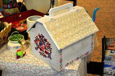 Danteller babaannemden kalan son anılardan. Nakışlar eski bir yastık kılıfından.Çiçekleri de ben boyadım...