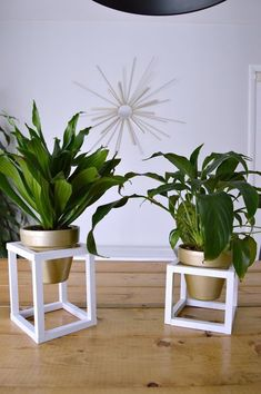 58 DIY Plant Stand ideas to Fill Your Living Room With Greenery - Page 31 of 58 - VimDecor : living room decoration, plant stand decor, greenery decoration, plants indoor living room
