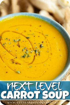 Roasted Carrot Soup, Roasted Carrots, Vegan Carrot Soup, Creamy Carrot Soup, Carrot Ginger Soup, Pureed Soup, Easy Soup Recipes, Vegetarian Recipes, Cooking Recipes